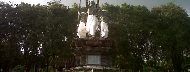 Lapangan Puputan Badung I Gusti Ngurah Made Agung is one of Seyminiak.