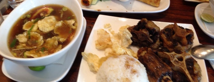 Sop Buntut Bogor Cafe is one of Arieさんのお気に入りスポット.