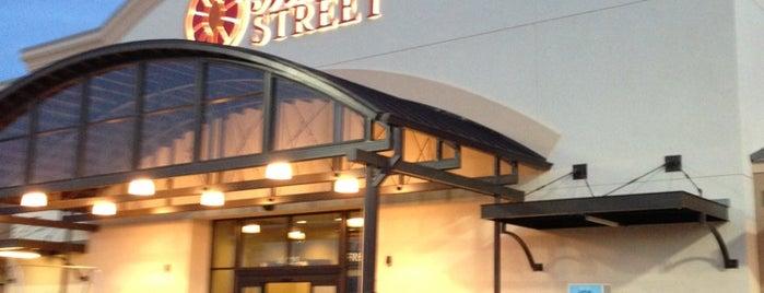 Market Street is one of Ethan 님이 좋아한 장소.