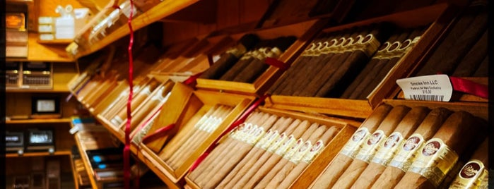 Smoke Inn III is one of Cigar places.