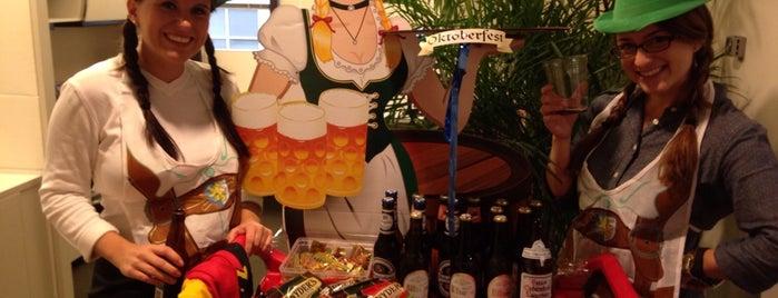Ogilvy Beverage Cart is one of Lugares favoritos de Rachel.