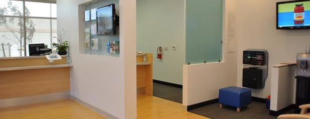 MacDonald Ranch Modern Dentistry is one of สถานที่ที่ Vince ถูกใจ.