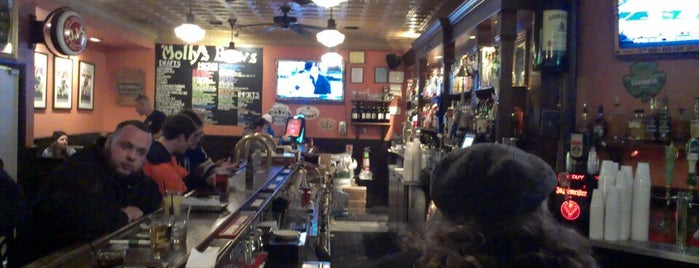Molly's Irish Grille and Sports Pub is one of Dining Tips at Restaurant.com Philly Restaurants.