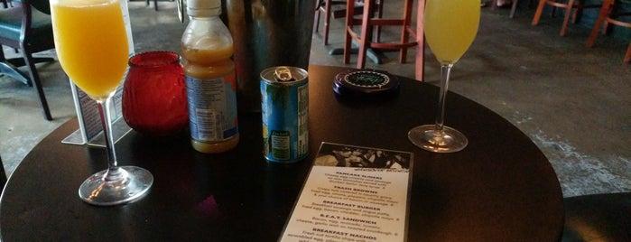 Drinks Lounge is one of Tempat yang Disukai Charles.
