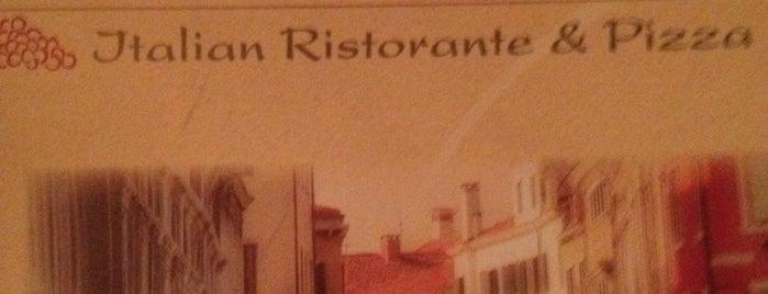 Frankies Italian Ristorante and Pizzeria is one of Posti che sono piaciuti a Diana.