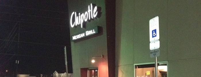 Chipotle Mexican Grill is one of Ross'un Beğendiği Mekanlar.