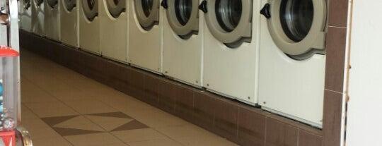 Main Street Laundromat is one of Lieux qui ont plu à Tim.