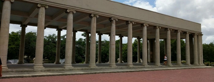 Peristyle at City Park is one of Orte, die Michael gefallen.