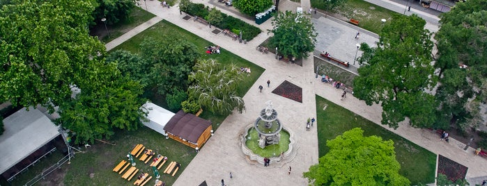 Erzsébet tér is one of Budapest.