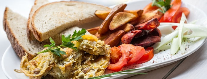 Anker Klub is one of The ultimate list of breakfasts in Budapest (2015).