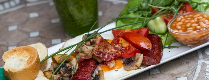 Mozaik Teaház és Kávézó is one of The ultimate list of breakfasts in Budapest (2015).