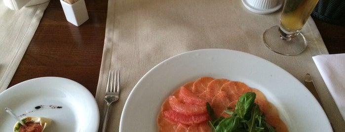 ORLY PARK Restaurant & Hotel is one of Orte, die Ivan gefallen.