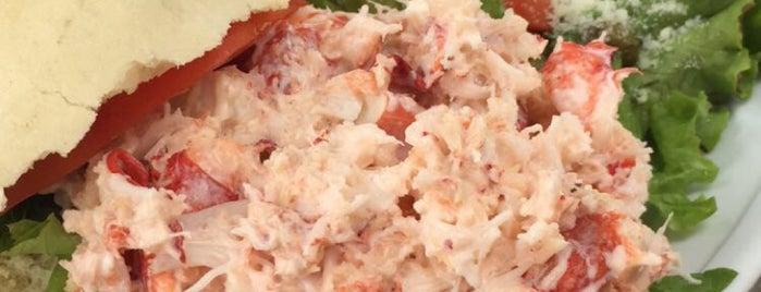 Twin Seafood is one of Orte, die Armando gefallen.