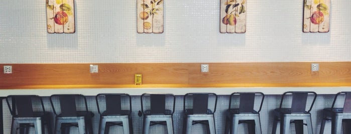 貳樓 Second Floor Cafe(西湖店) is one of Locais salvos de L😎.