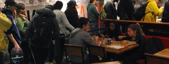 Blaze Pizza is one of Toronto Work Lunch.