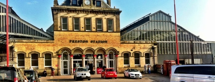 Preston Railway Station (PRE) is one of Locais curtidos por Ricardo.