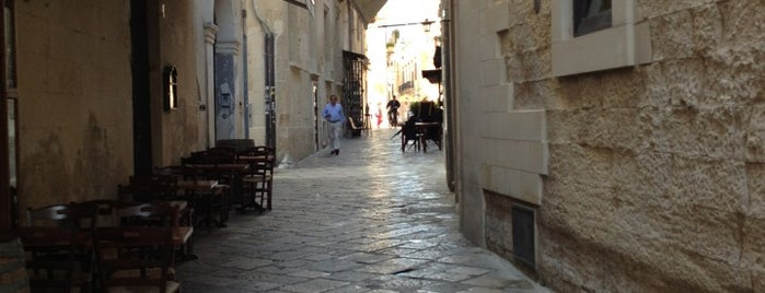 Lecce is one of Neapol.