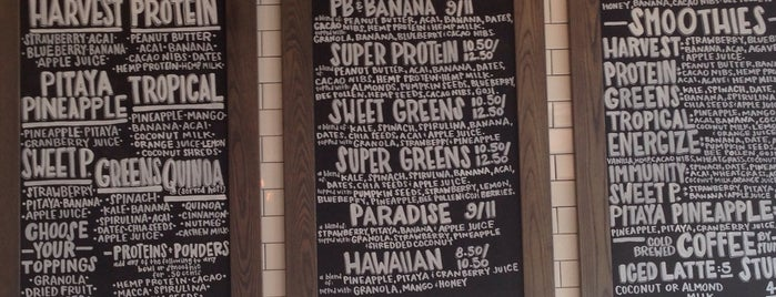 The Harvest Bar Superfood Cafe is one of City of Angels.
