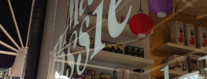 Met Passie   (H)eerlijke Koffie, Thee en Chocolade is one of สถานที่ที่บันทึกไว้ของ Doris.