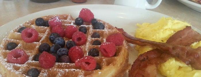 The Egg & I Restaurants is one of Posti che sono piaciuti a Philip.