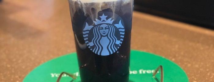 Starbucks is one of Locais curtidos por Jim.