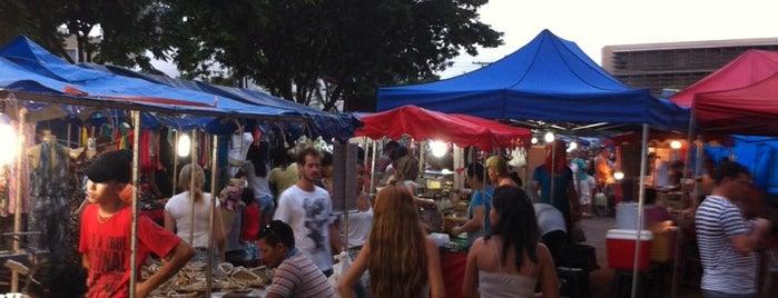 Feira Livre da Praça Universitária is one of Pra matar a fome.