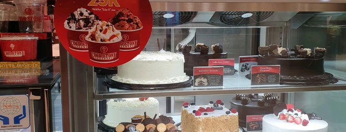 Cold Stone Creamery is one of Lugares favoritos de Addis Maliki.
