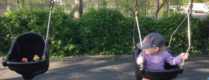 Van Vorhees Playground is one of สถานที่ที่ Matt ถูกใจ.