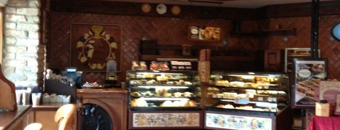 la Madeleine Country French Café is one of Tempat yang Disukai Austin.