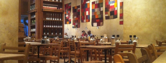 Le Pain Quotidien is one of Brunch Lincoln Center / UWS.