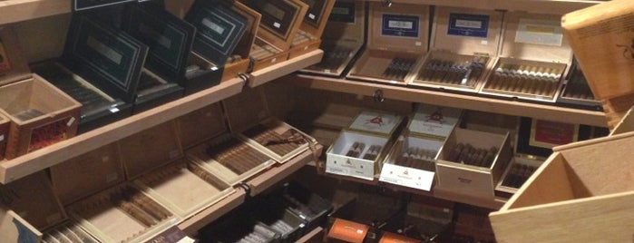 the cigar house is one of Patrickさんのお気に入りスポット.