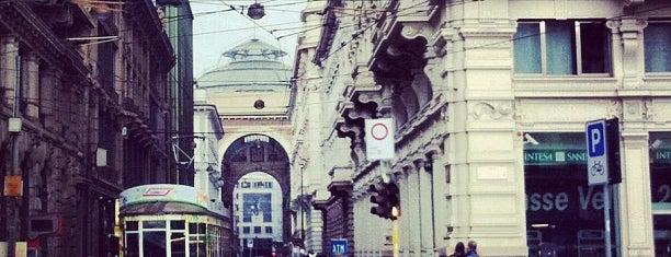 Piazza Cordusio is one of arte e spettacolo a milano.