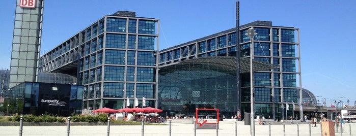 สถานีรถไฟกลางเบอร์ลิน is one of Berlin.