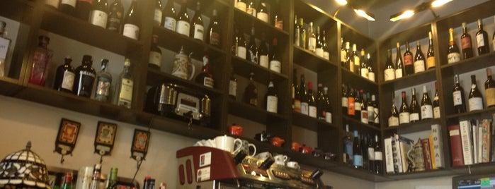 Bohèmic is one of Barcelona's romantic restaurants by TimeOut BCN.
