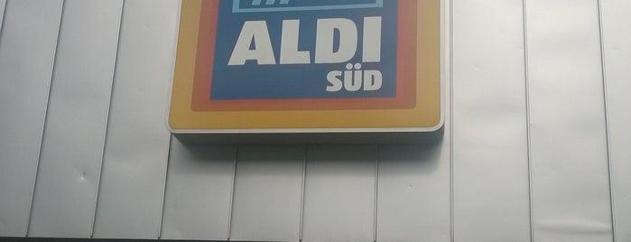 ALDI SÜD is one of สถานที่ที่ David ถูกใจ.