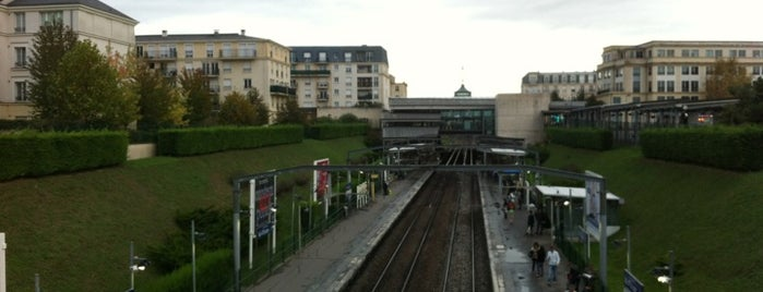 RER Val d'Europe [A] is one of Disney Paris.