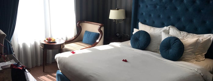 The Scarlett Boutique Hotel is one of Tom's Liked Places.