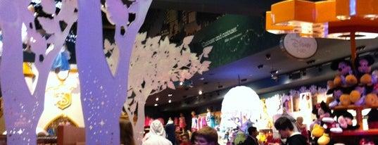 Disney store is one of บันทึกเดินทาง New York.