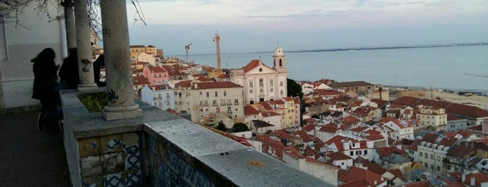 Miradouro de Santa Luzia is one of Lisboa.