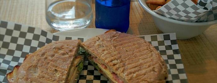 Tío Gilito is one of Restaurantes del Norte y alrededores.