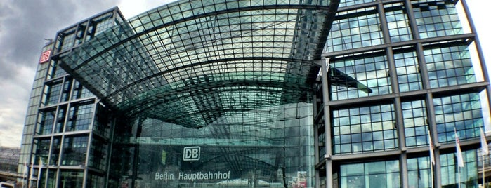 Berlin Hauptbahnhof is one of Berlin places i love.