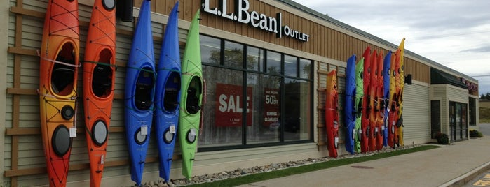 L.L.Bean Outlet is one of Mo's Liked Places.