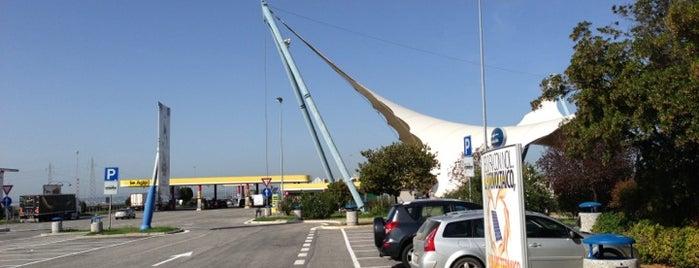 Area di Servizio Prenestina Ovest is one of Giannicola 님이 좋아한 장소.