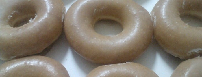 Krispy Kreme Doughnuts is one of Lieux sauvegardés par David.