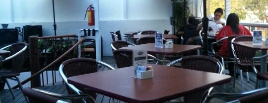 Hangar XXI CAFÉ is one of Gisela Rojas Prz'ın Beğendiği Mekanlar.