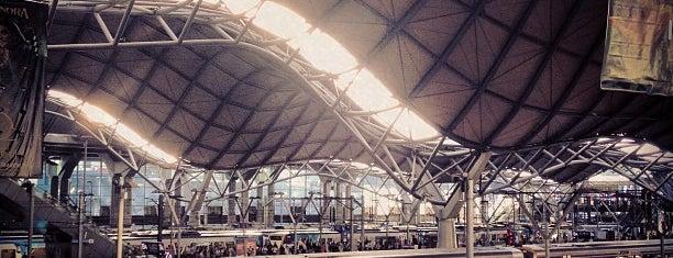 Southern Cross Station is one of Die schönsten Bahnhöfe der Welt.
