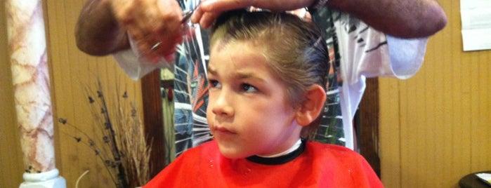 Ron's Barber Shopp is one of Lugares favoritos de Scott.