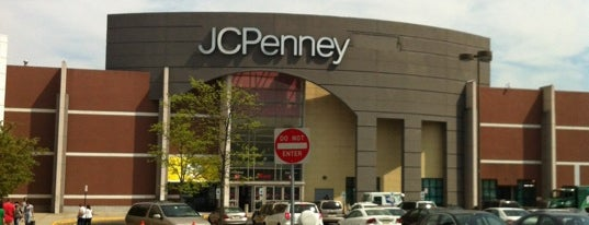 JCPenney is one of สถานที่ที่ Brian ถูกใจ.