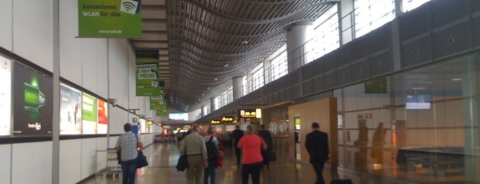 Aeropuerto de Hamburgo Helmut Schmidt (HAM) is one of Free WiFi Airports.