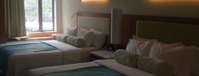 SpringHill Suites Cincinnati Midtown is one of Tempat yang Disukai Marcus.